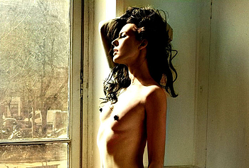 Milla Jovovich nude photos