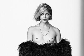 Selma Blair topless