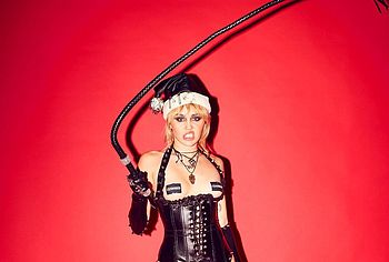 Miley Cyrus bdsm