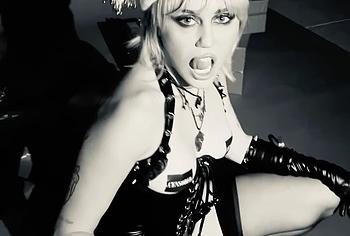 Miley Cyrus home porn