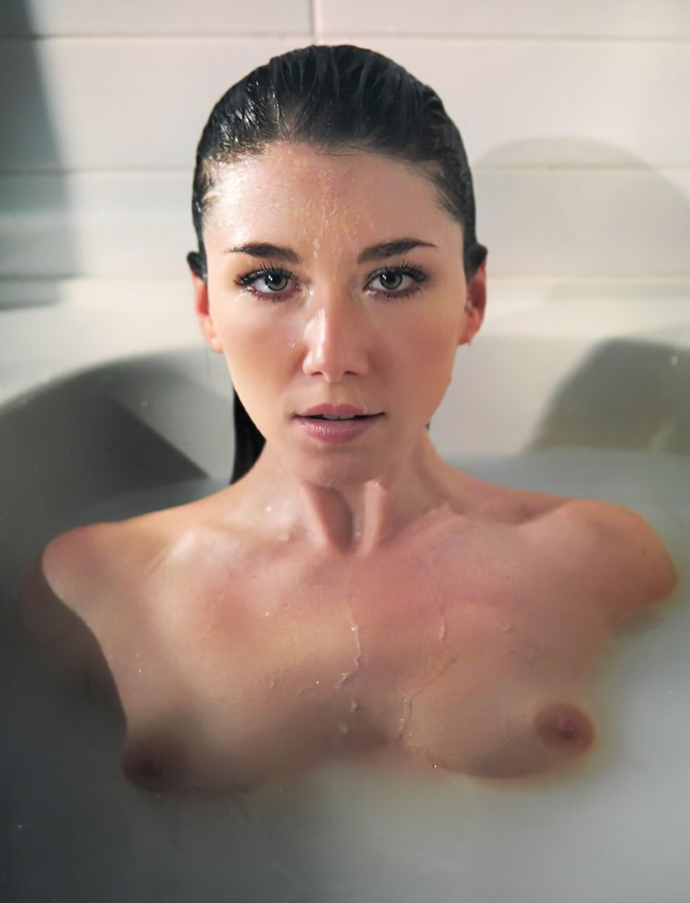 Jewel Staite Nude And Sexy Photoshoots