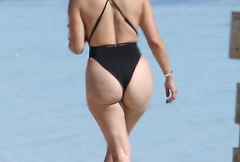 Jennifer Lopez ass nude