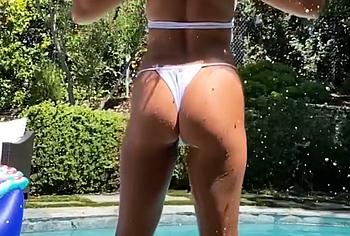 Vanessa Hudgens booty photos
