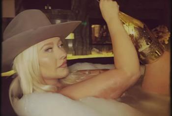 Christina Aguilera naked scandal