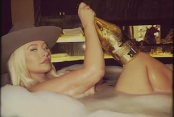 Christina Aguilera nude leaked photos