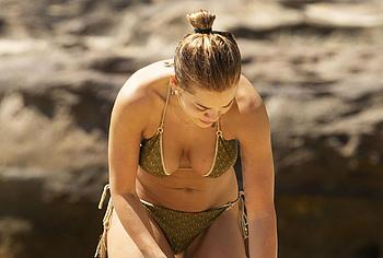 Rita Ora topless pics