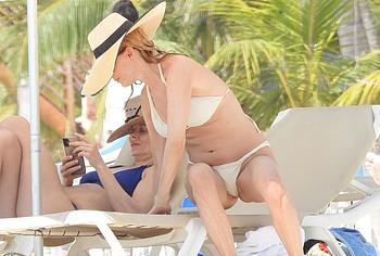 Heather Graham pussy nude