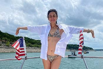 Jamie Lynn Sigler bikini photos