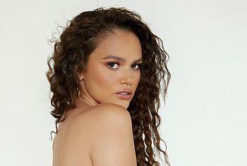 Madison Pettis topless