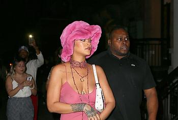 Rihanna oops