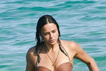 Michelle Rodriguez paparazzi