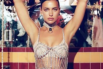 Candice Swanepoel topless photos