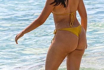 Camila Cabello ass photos