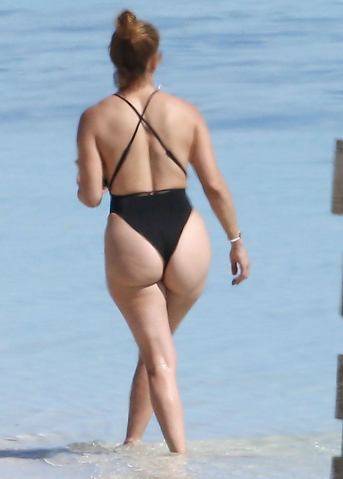 Jennifer Lopez Huge Ass In Thong Swimsuit Photos